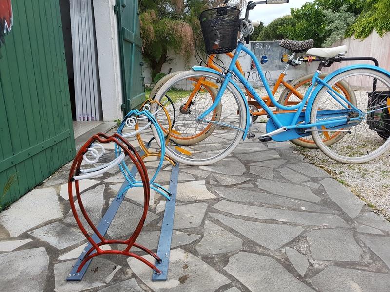 Les Porte-Vélos de Métal de Ré