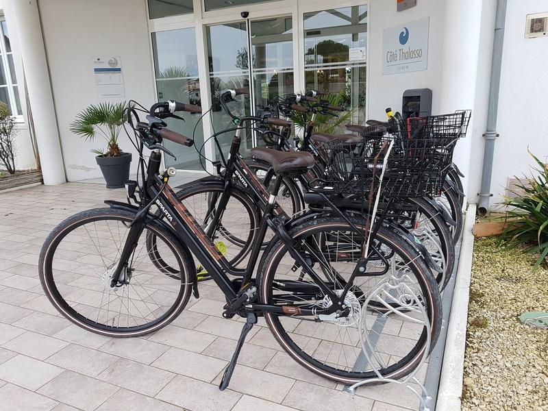 porte-vélos coté thalasso Ars en Ré